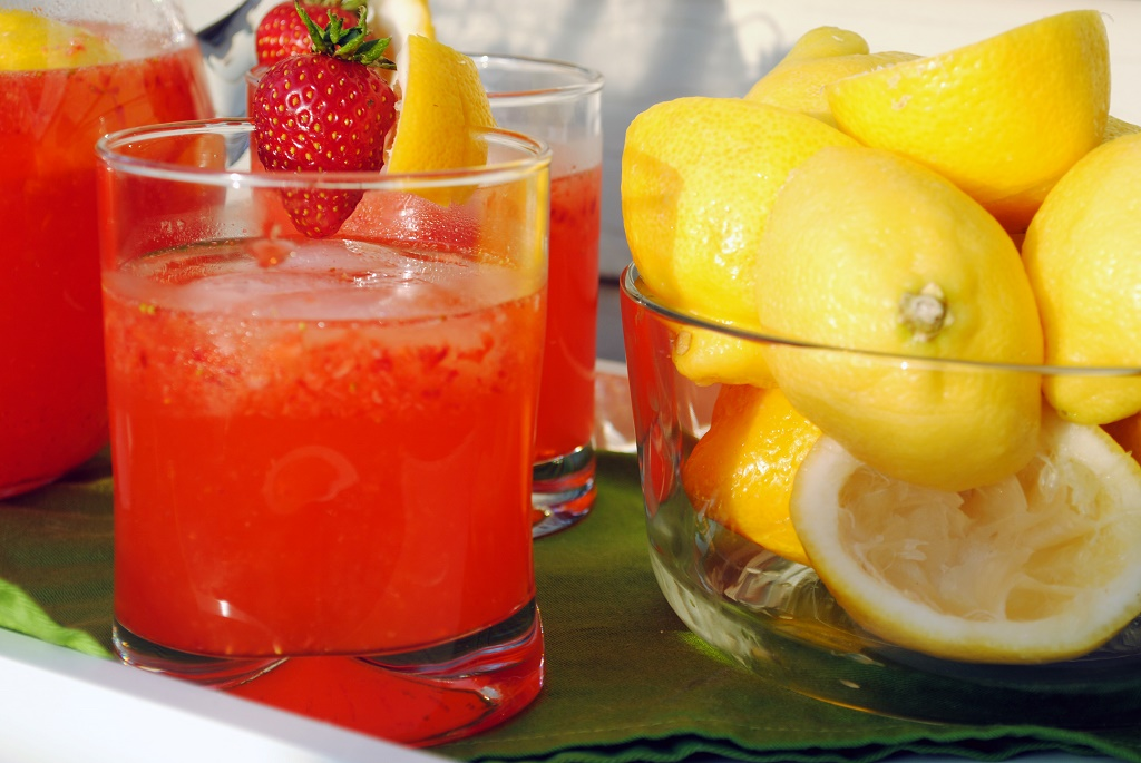 Simple-Recipes-for-Delicious-Cocktails-Picture